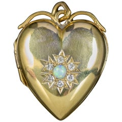 Antique Victorian Diamond Opal Heart Locket 18 Carat Gold, circa 1900