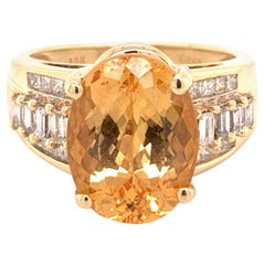 Oval Natural Citrine Quartz and Diamond Yellow Gold Cocktail Ring