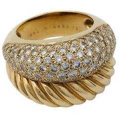 "Yellow Gold and Diamonds OJ Perrin Ring, ""Verona"" Collection"