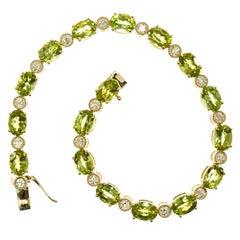 15.75 Carat Peridot Diamond 14 Karat Yellow Gold Bracelet
