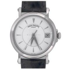 Patek Philippe 5153 Calatrava 5153G-010 18kt White Gold Swiss Automatic Watch