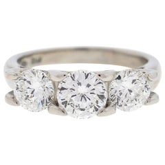Roberto Coin Cento 18 Karat White Gold Diamond Three-Stone Engagement Ring