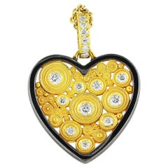 18 Karat Yellow Gold Circle Heart Pendant