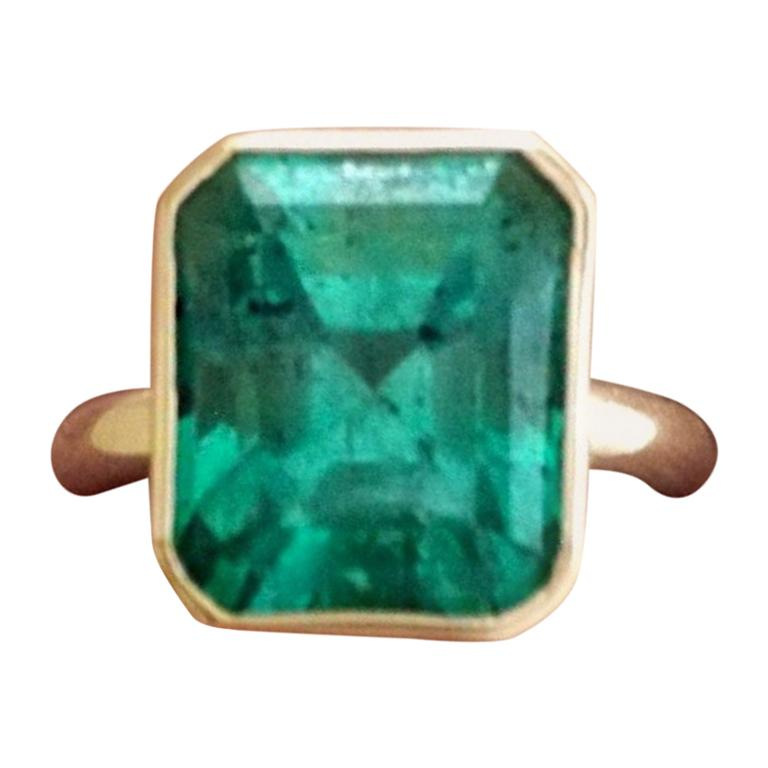 6.80 Carat Natural Colombian Emerald Solitaire Ring 18 Karat Gold