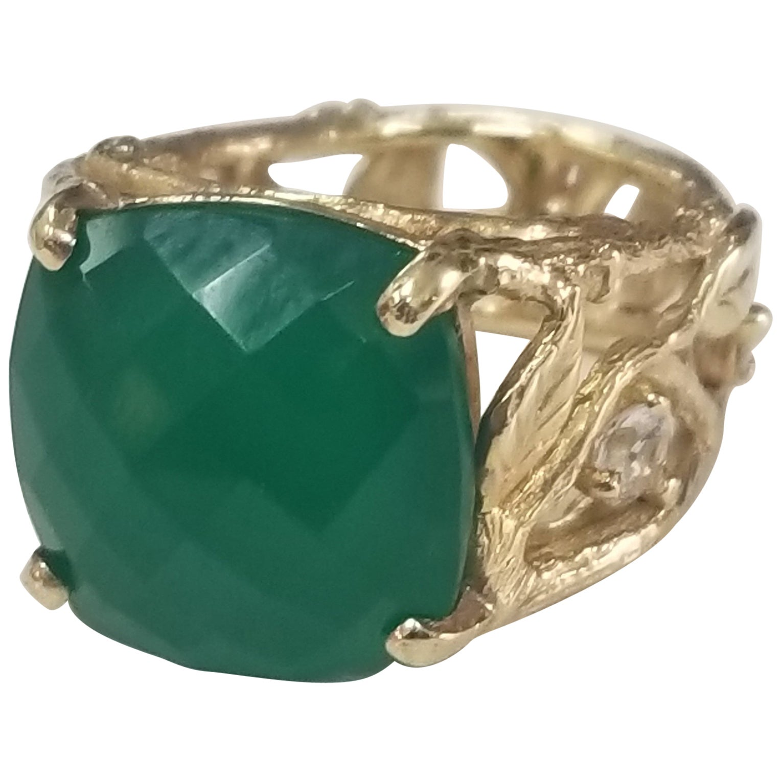 14 Karat Gold Bark Green Onyx Ring