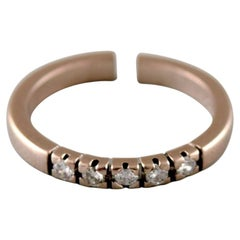 Surel Ring in 14 Karat White Gold, Adorned with Five Brilliant-Cut Diamonds