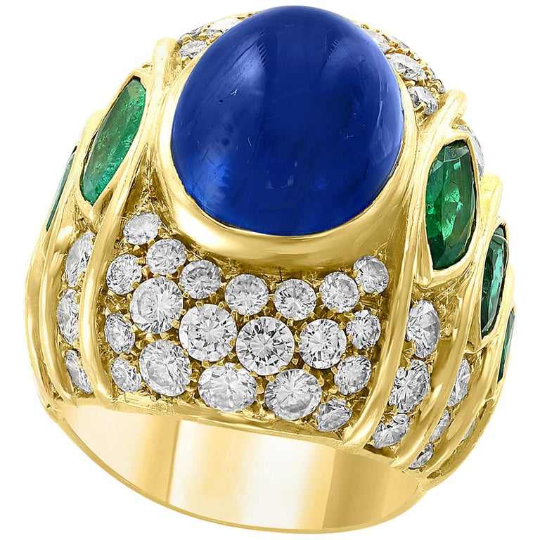 18 Carat Blue Sapphire Cabochon and Diamond 18 Karat Gold Ring For Sale