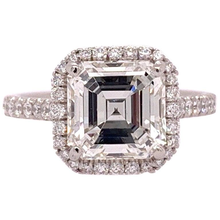 Platinum Square Emerald Cut Natural 2.57 Carat GIA I VS2 Diamond Ring For Sale