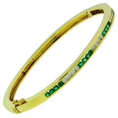 Tiffany & Co. Diamond and Emerald Bangle Bracelet in 18 Karat Gold Size Small
