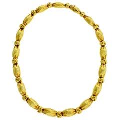 Van Cleef & Arpels Heavy Necklace in 18 Karat Yellow Gold in Good Condition