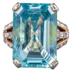 Art Deco Aquamarine 18 Carat Gold 28 Carat Aqua Ring