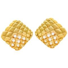 Judith Leiber 18 Karat Yellow Gold Diamond Scale Clip-On Earrings