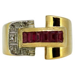 Art Deco 18 Karat Gold Ladies Ring with Rubies and Diamonds, 1920s