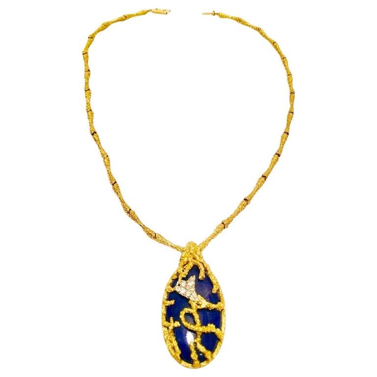 La Triomphe 1960s 18 Karat Gold VS Diamond Lapis Lazuli Pendant Necklace For Sale