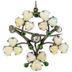 Art Deco 18 Karat Gold Ladies Brooch or Pendant, Opals, Diamonds and Peridot