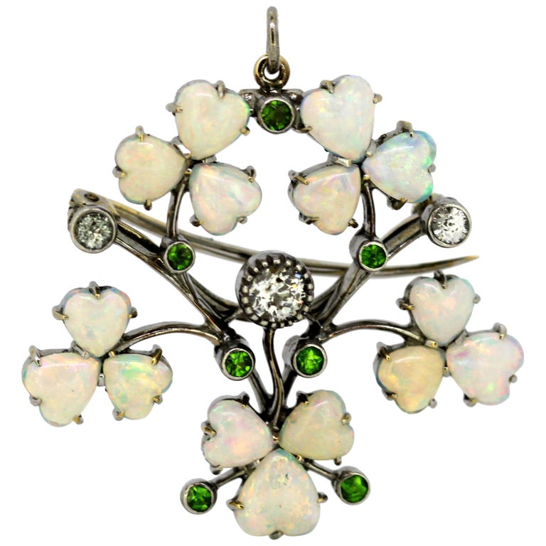 Art Deco 18 Karat Gold Ladies Brooch or Pendant, Opals, Diamonds and Peridot For Sale