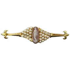 18 Karat Gold Brooch with Carnelian Cameo, Freshwater Pearls and Diamonds, 1950