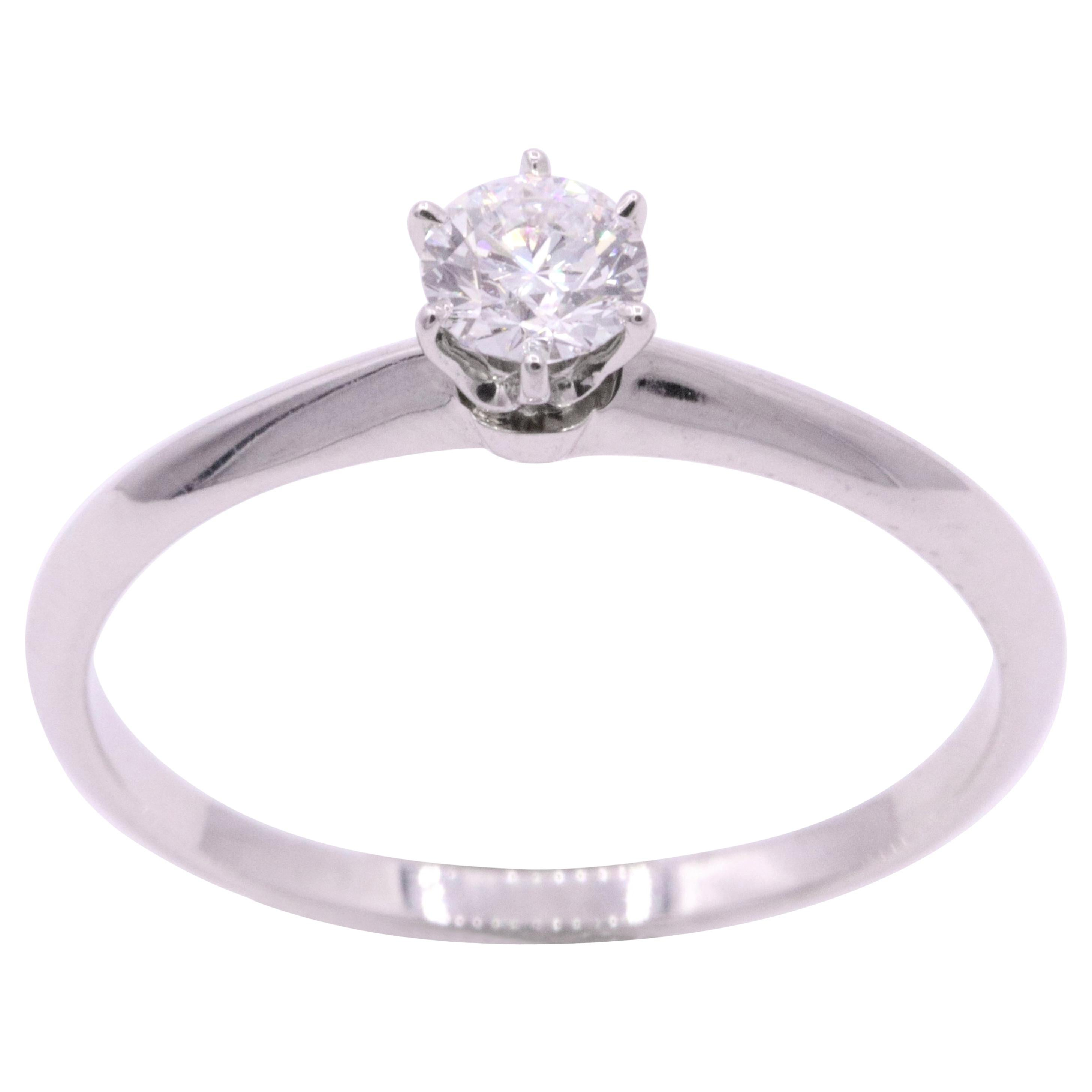 Tiffany & Co. Diamond Solitaire Engagement Ring 0.30 Carat F VS1 Platinum