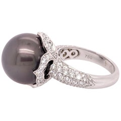 White Gold Ring 2.20 Carat Natural Diamond and Black Tahitian Pearl