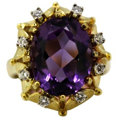Vintage 14 Karat Gold Ladies Ring with Natural Amethyst and Diamonds