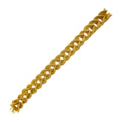 Georges L'Enfant French Yellow Gold Textured Heart Link Bracelet