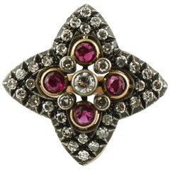 0.80 ct Diamond 0.40 ct Ruby Rose and White Gold Flower Shape Fashion Retrò Ring