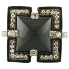 Diamonds Onyx 18 Karat White Gold Fashion Design Ring