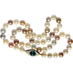 Pearls Necklace with Diamonds and Kyanite 18 Karat Gold Clasp