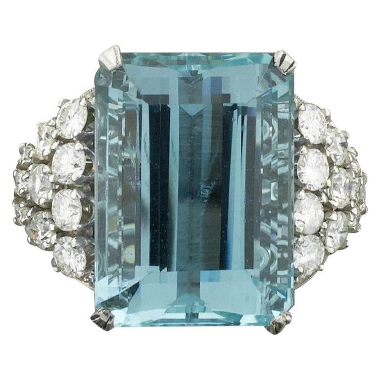 Aquamarine and Diamond Platinum Ring 20.00 Carat For Sale