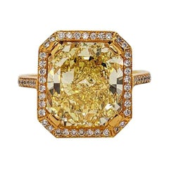 Scarselli 6.70 Carat Fancy Vivid Yellow Radiant Cut Diamond Ring VS2 GIA