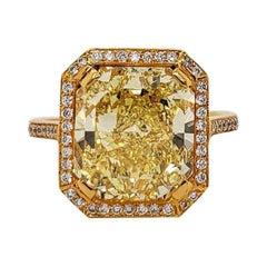 Scarselli 6.70 Carat Fancy Vivid Yellow Radiant Cut Diamond Ring VS2 GIA