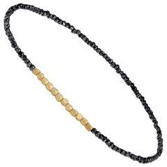 Men es oxidiert silbernen Perlen Armband mit Gelbgold von Allison Bryan