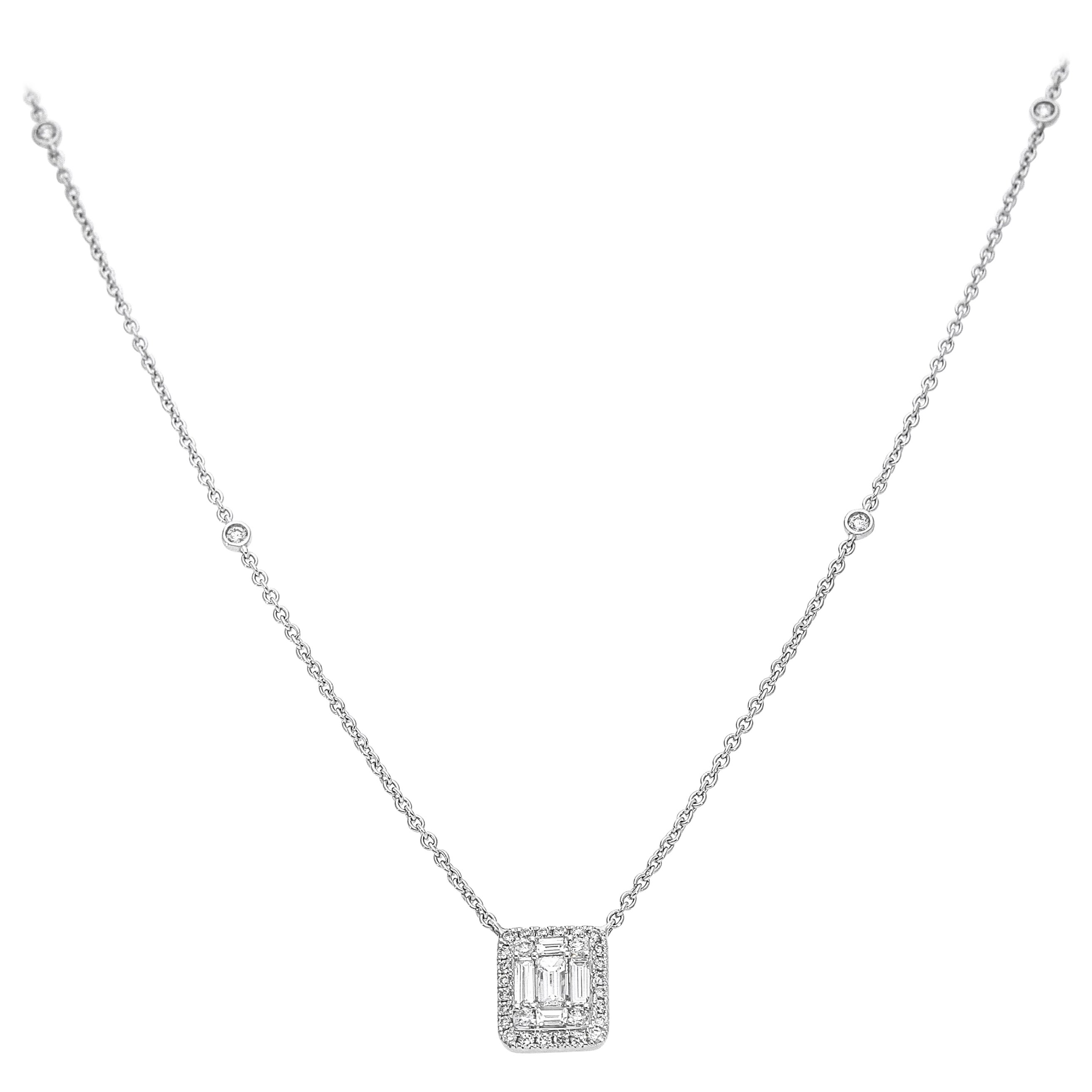 18 Karat White Gold Chain Necklace with Rectangular Diamonds Pendant