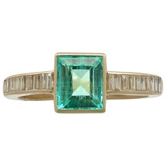 Vintage 1988 1.10 Carat Emerald and Diamond Yellow Gold Cocktail Ring