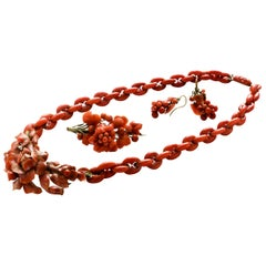"Parure in Natural Coral ""Flowers and Fruits"" Necklace and Earring"