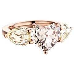 18K Rose Gold 2 Carat Heart shape and 2,88 carat rose-cut Diamond Trilogy ring
