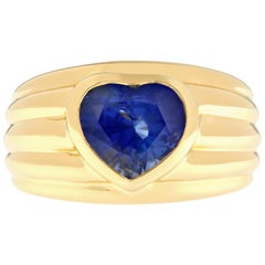 Heart Shaped Blue Sapphire 18 Karat Yellow Gold Band Ring