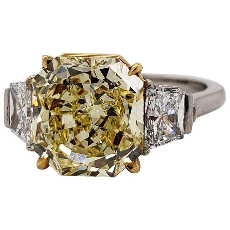 Scarselli 4 Carat Fancy Intense Yellow Radiant Diamond Ring 'VVS2' Platinum GIA For Sale