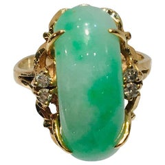 Artisan Custom 18 Karat Yellow Gold Variegated Apple Green Jade and Diamond Ring