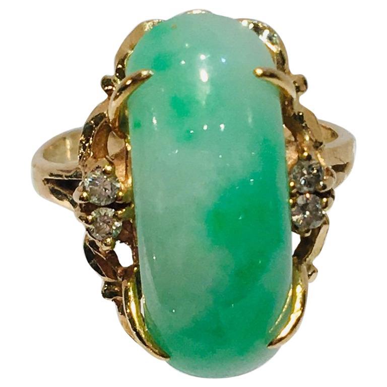 Artisan Custom 18 Karat Yellow Gold Variegated Apple Green Jade and Diamond Ring For Sale
