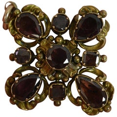 Georgian Garnet Cabochon 15 Carat Gold Pendant
