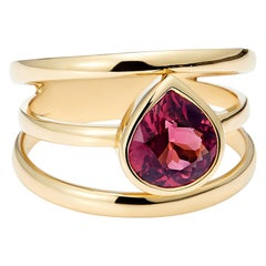 Pear Shape Spinel 1.5ct and Yellow Gold 3 Band Ring