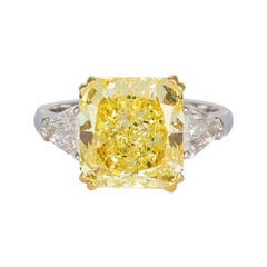 GIA Certified Platinum and 18 Karat Gold Fancy Radiant Diamond Ring 5.76 Carat