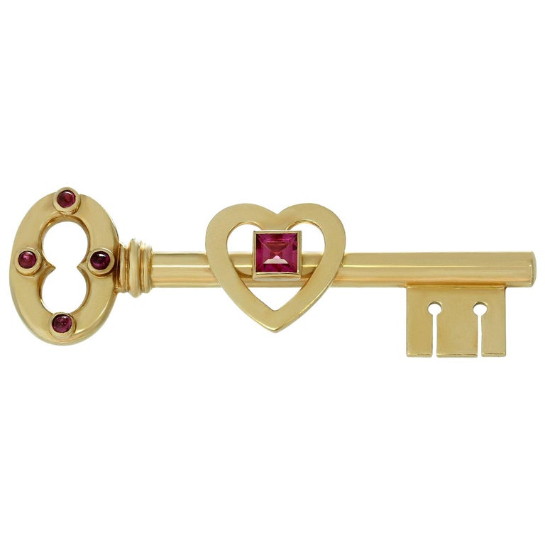 1950s Tiffany & Co. Pink Sapphire Rose Gold Key Brooch For Sale