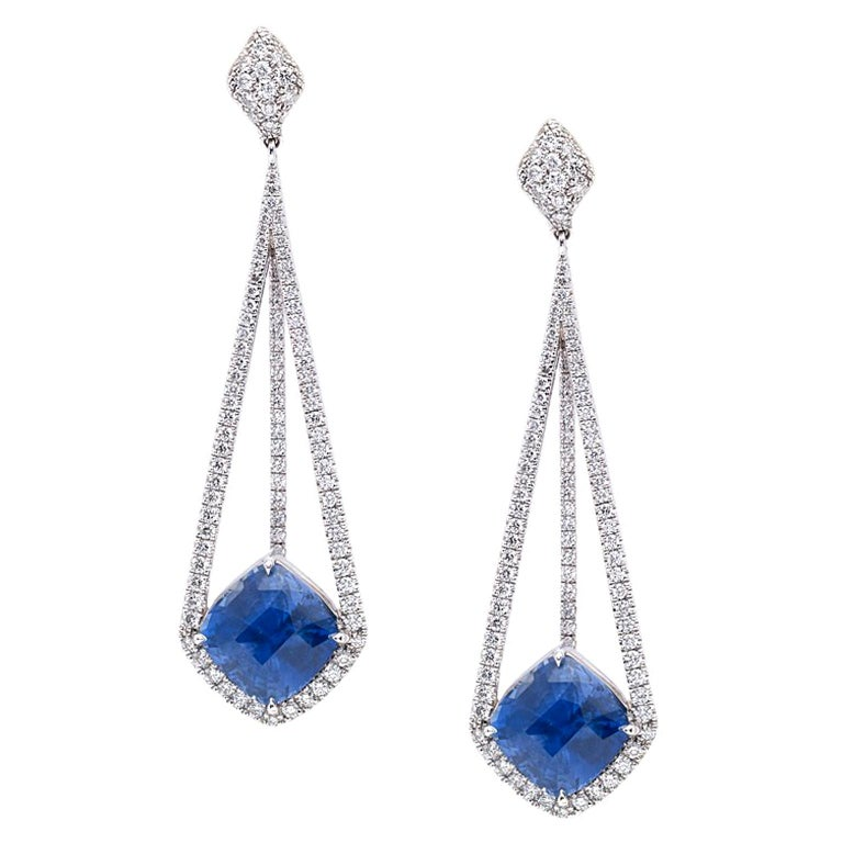 18 Karat White Gold Earrings with Diamonds and GIA Certified Blue Sapphires For Sale