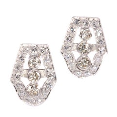 Vintage Platinum Art Deco Diamond Earstuds from the 1950s