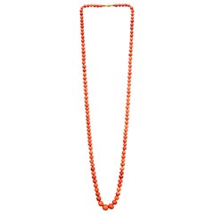 Antique French Necklace with Natural Coral Beads and 18 Karat Gold Clasp
