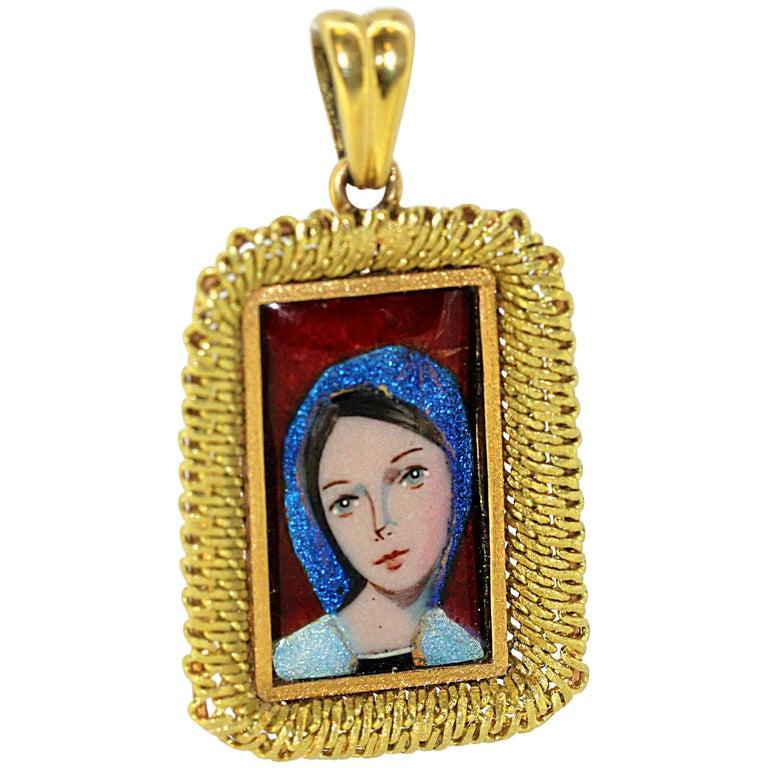 Antique French 18 Karat Gold Enamel Portrait Pendant, France Early 20th Century For Sale