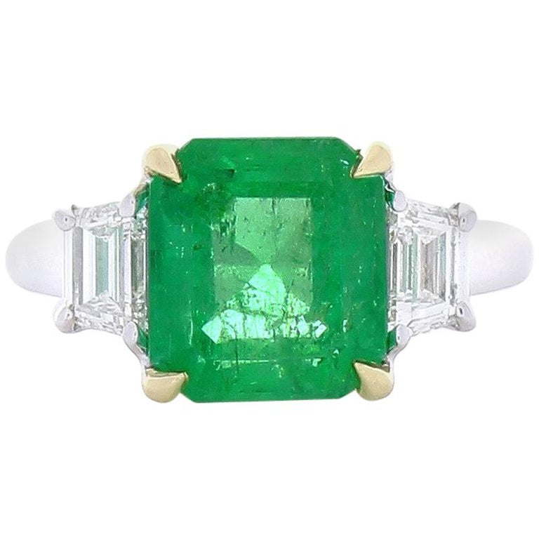 3.76 Carat Emerald and Diamond Two-Tone Cocktail Ring in 18 Karat Gold For Sale