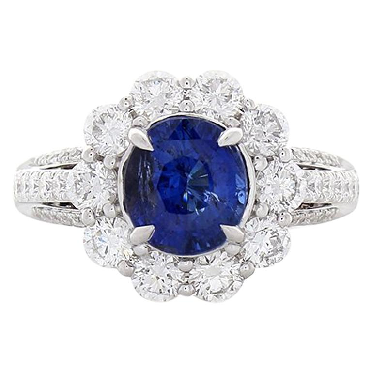 EGL Certified 3.08 Carat Oval Blue Sapphire & Diamond Cocktail Ring In 18K Gold For Sale